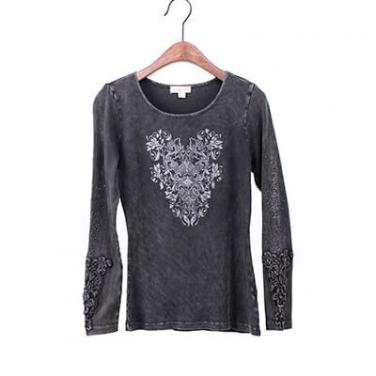 Mineral Washed Long Sleeve T-shirt With Print And Crochet Patch