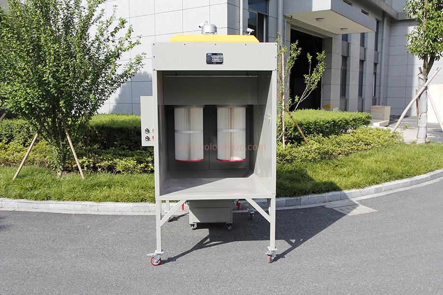 Easy-Cleaning Design Cartridge Filters Powder Coating Spray Booth
