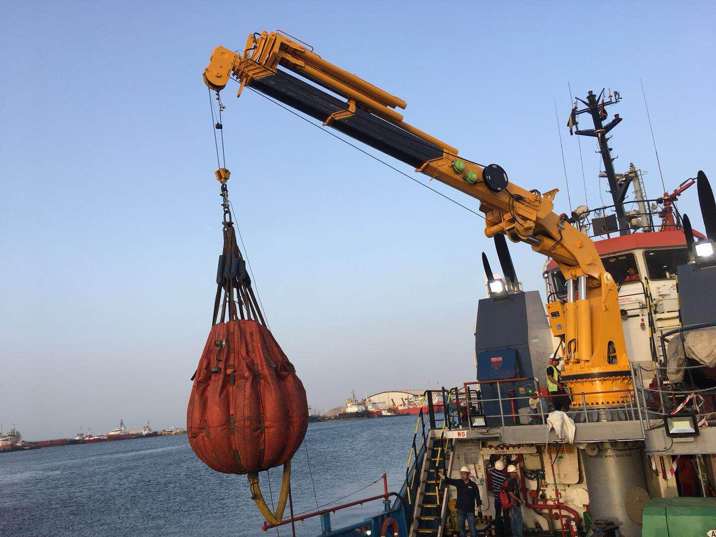 1t@19M Offshore Folding Telescopic Marine Crane was delivered to Dubai.