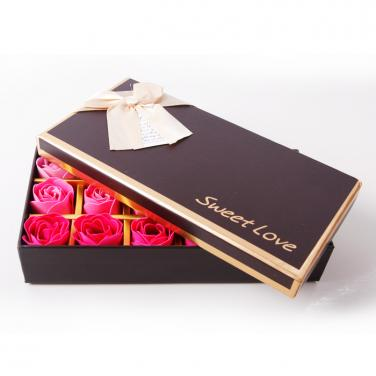 New Design Boxes For Roses Packaging