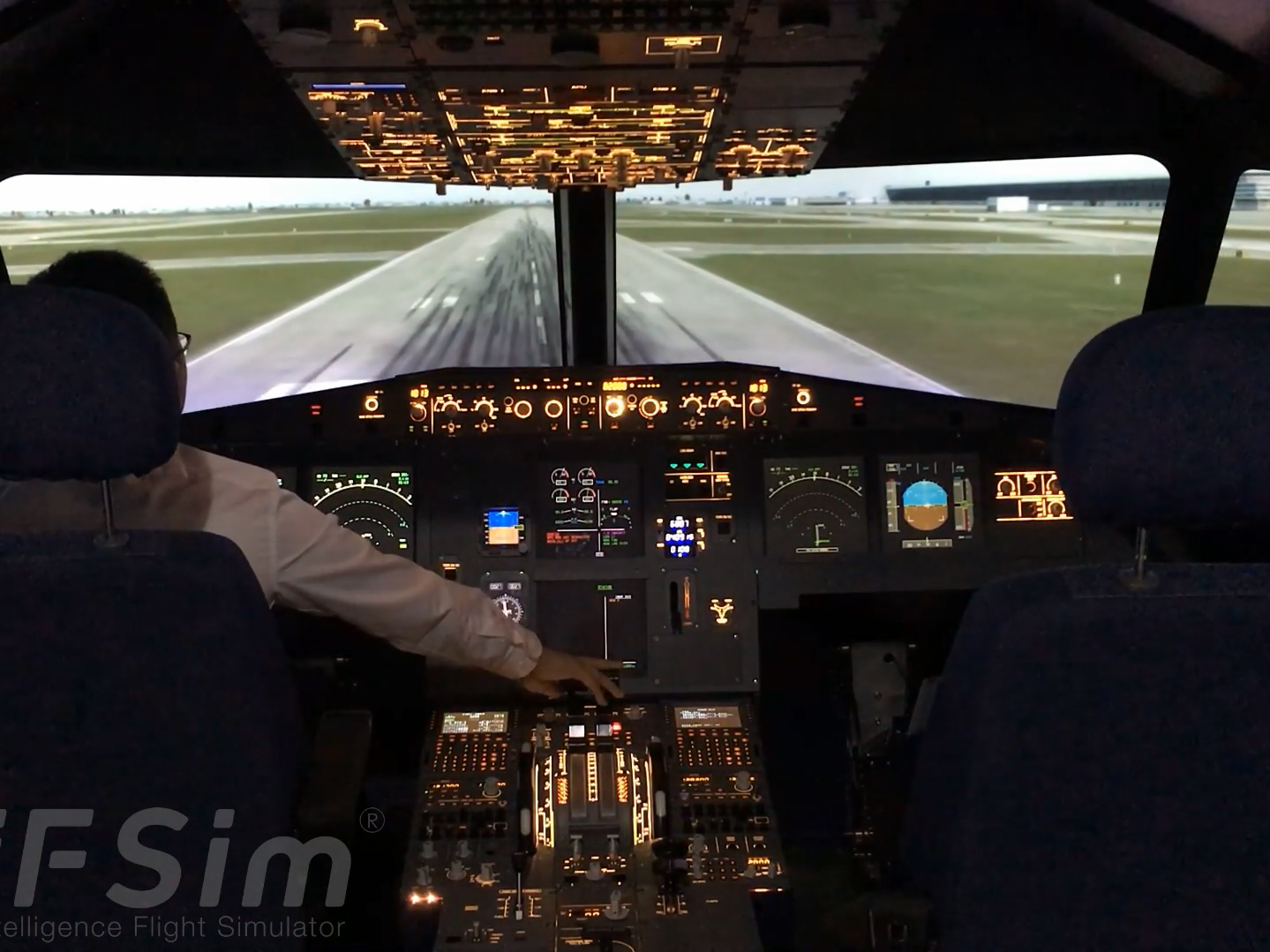 iFSim.A320 flight simulator take off at Shanghai Pudong Airport