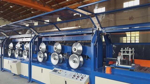 ZJK120GS 高速纸护角生产线