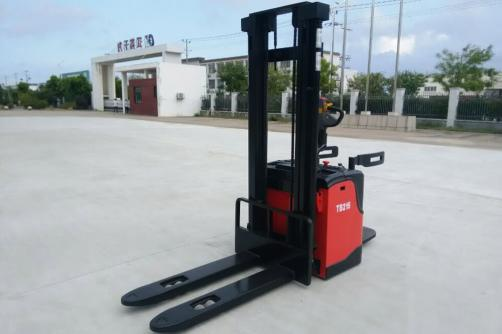 1.0-1.6T Electric Stacker (AC/DC)