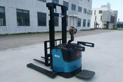 1.5-1.8T Electric Stacker Wide Legs (AC/DC)