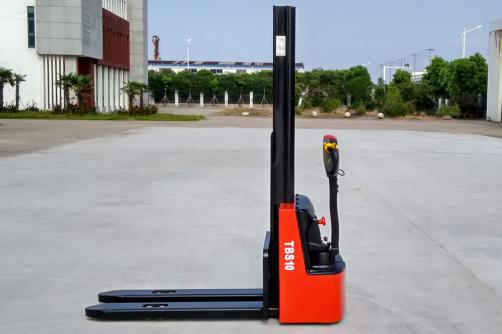 1.0-1.2T Electric Stacker
