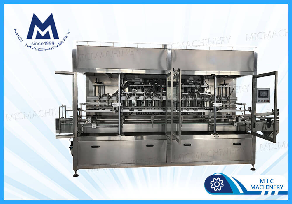Food products filling machine