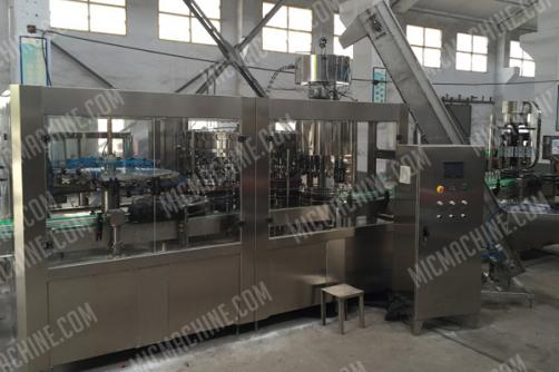 Energy Drink Filling Machine (Carbonated drink and other liquid with gas)