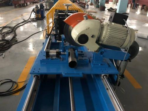 Octagonal pipe roll forming machine
