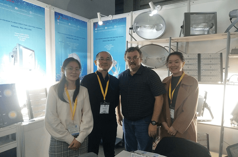 JR Lighting attracts many customers in the Bauma Expo (Shanghai) 2018
