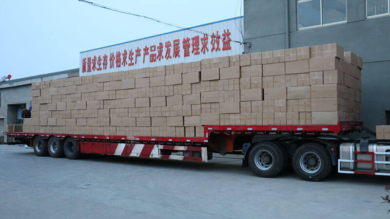Our company flanged dust filter tube 40 high cabinet smoothly sent to German customers!