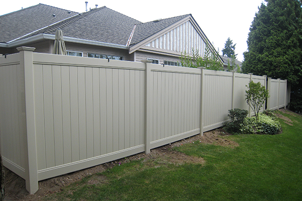 Factory Direct Sales Various Widely Used White Plastic Fence