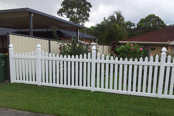 Free Maintenance Decorative Modern Garden Pvc Plastic Fence Panel