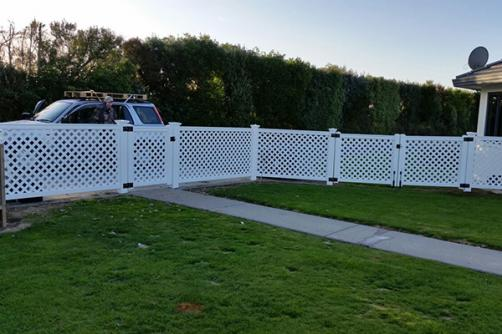 Unique Design Factory Price Quality-Assured Lattice Fence Retractable Fencing