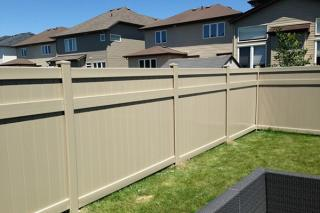 Easy Installation Longtime Warranty Multicolor Custom Made H Post Fence