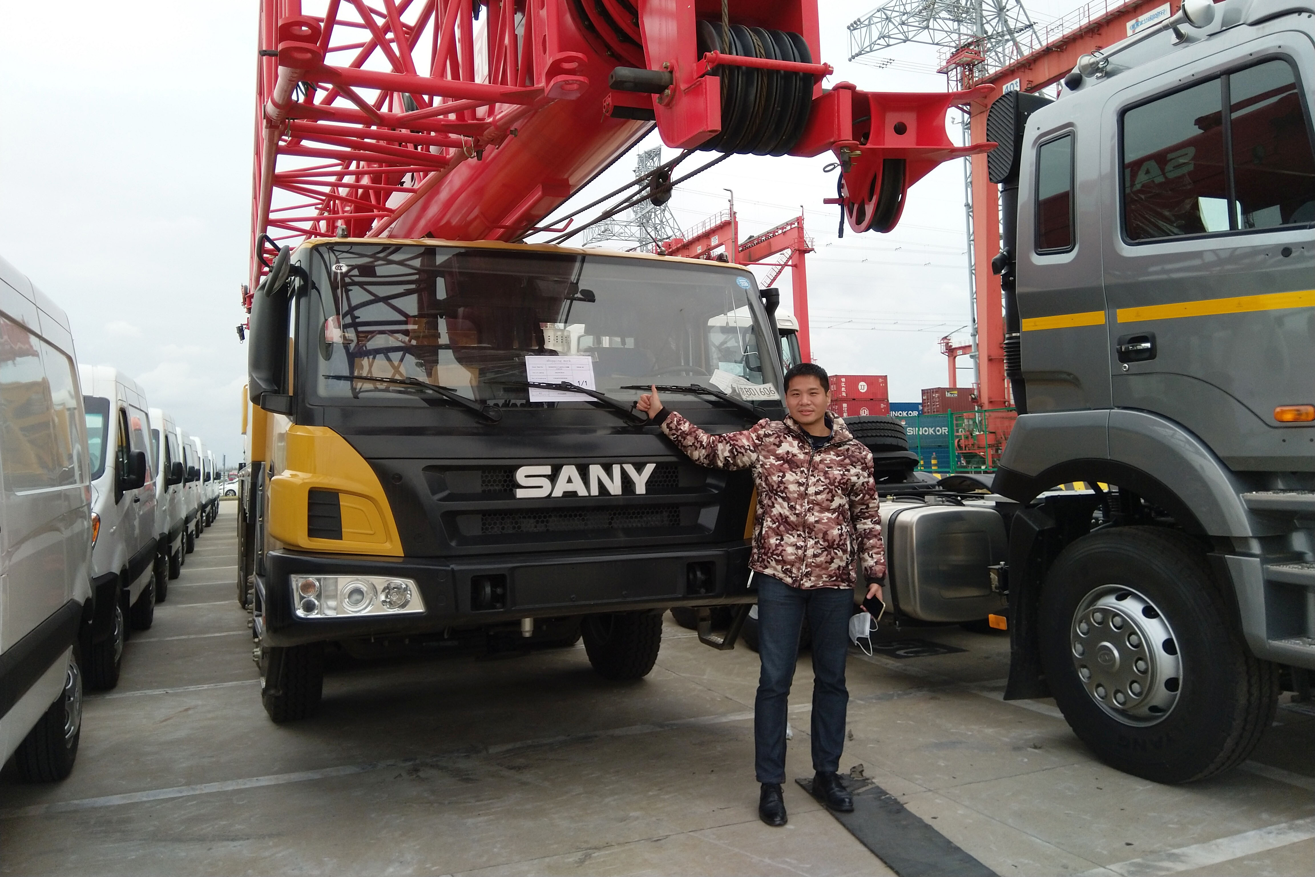 On March 31, 2020, the mobile cranes truck sold to Ukraine arrived at the port.