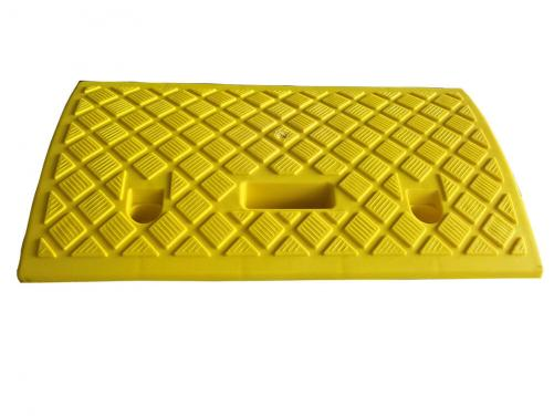 Lightweihgt Yellow Plastic Road Curb Ramp For Loading Dock