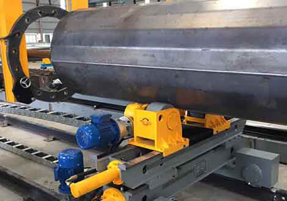 Flange positioning and welding machine