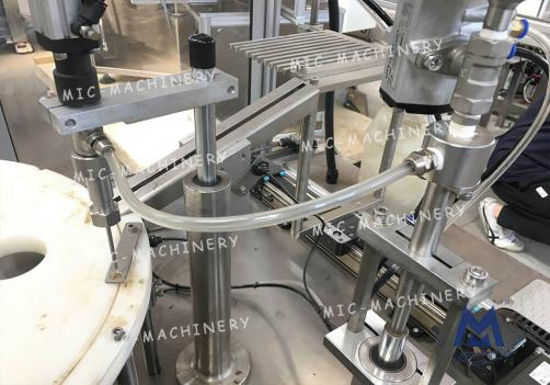 Automatic glass syringe filling machine