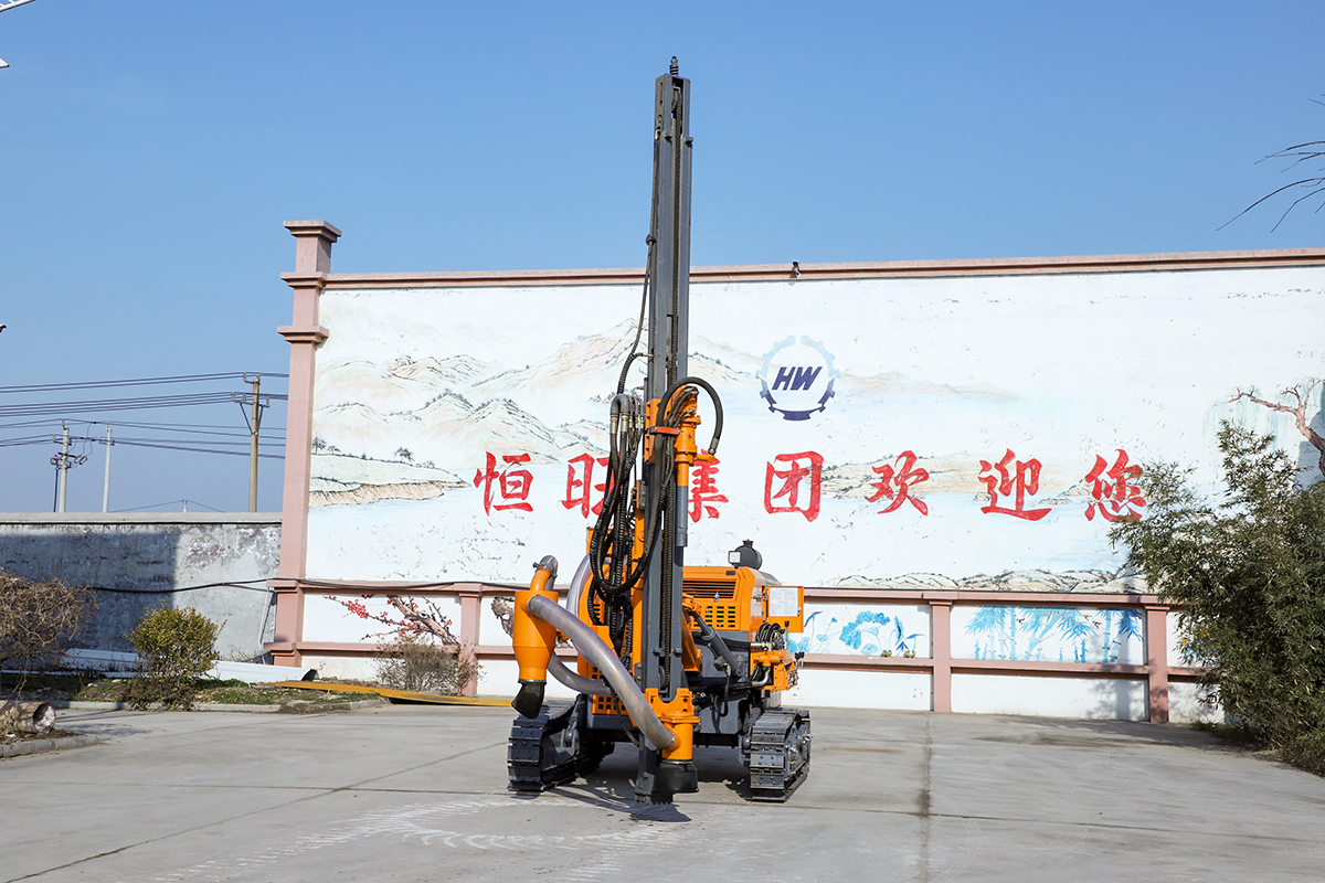HW421T Integrated DTH Surface Drill Rig