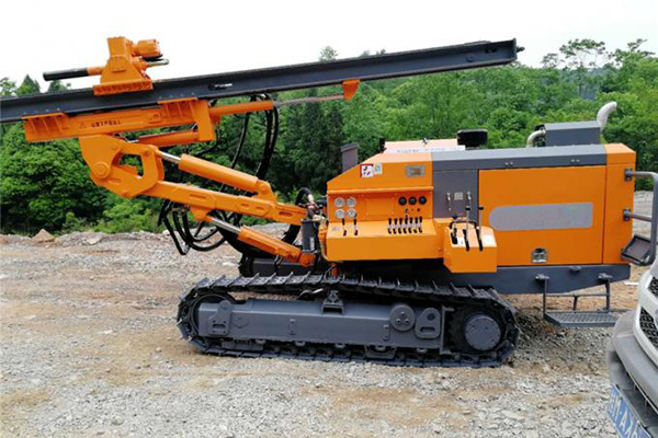 HW425 Separated DTH Surface Drill Rig